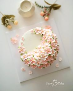 1 million+ Stunning Free Images to Use Anywhere Korean Buttercream Flower, Buttercream Flowers, Buttercream Cake, Fondant Cookies, Cupcake Cakes, Simple Elegant Cakes, Cake Craft, Crazy Cakes, Dessert Decoration