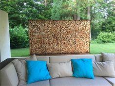 Holzregal 1083 aus Cortenstahl mit Oberfläche Edelrost als Sichtschutz auf Terrasse