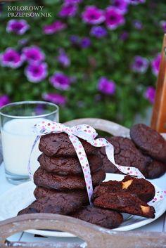 Gdy masz ochotę na coś pysznego, a w przygotowaniu szybkiego, polecam ciastka brownie z białą czekoladą. Pyszne, mocno czekoladowe i poprawiają nastrój ;)
