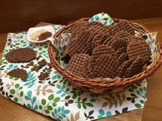 Wicker Baskets, Sweets, Cookies, Cukor, Crack Crackers, Gummi Candy, Candy, Biscuits, Goodies
