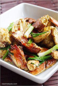 Chinese ginger and scallion crab recipe. This ginger and scallion crab recipes makes restaurant-worthy ginger and scallion crab, as good as restaurant's.   rasamalaysia.com