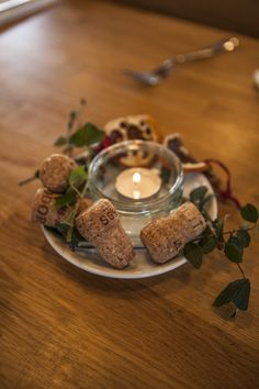 Save up old champagne corks for use in table decorations. Champagne Corks, River Cottage, Cottage Christmas, After Christmas, Christmas Traditions, Cottage Style, Bubbles, Craft Ideas, Candles