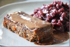 Vegane Rezeptreihe: Linsenbraten. Statt dem traditionellen Schweinsbraten gab es diesmal zu Weihnachten einen Linsenbraten. Damit am Heiligen...