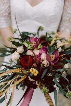 Marsala Bouquet | Winter Wedding Inspiration | Cornwell Manor, Cotswolds | Chris Scuffins Photography | http://www.rockmywedding.co.uk/winter-romance-in-the-cotswolds/