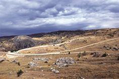 Archaeologists have unearthed part of the 3,700-year-old city wall of Hattuşa, capital city of the ancient Hittites, in the northern province of Çorum.