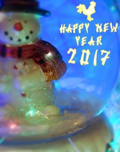 Free pictures New Year ball snowman. From http://torange.biz/6539.html  #Toy #DIY Handmade #Snow #New Year #Winter #Childhood #Entertainment #Celebration #Object