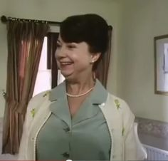 Glenda British Tv Comedies, British Comedy, British Actors, Comedy Tv, Comedy Show, Old Tv Shows, Best Tv Shows, Last Of Summer Wine, English Comedy