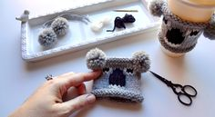 Find my pattern here . You can buy the finished item here . Addi Knitting Machine, Loom Knitting, Addi Express, Knit Crochet, Crochet Hats, Knitted Heart, Pattern Library, Cozy Sweaters, Craft Items