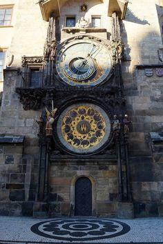 Astronomische Uhr in #Prag. Insidertipps für Prag: http://reisespatz.de/prag-tipps/