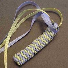Ribbon Twisted Box Braid 12 Ribbon twisted box braid Tutorial to create your own mini Hawaiian Lei bag charm. Twist Box Braids, Small Box Braids, Short Box Braids, Jumbo Box Braids, Try On Hairstyles, Box Braids Hairstyles, Black Women Hairstyles, Long Hairstyle, Ribbon Lei