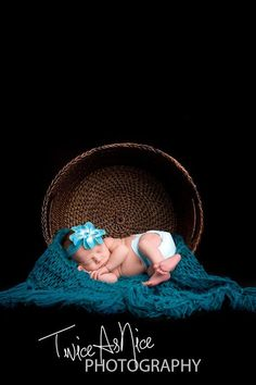 This photography prop has many uses so use your imagination! Can by used as a blanket as shown or as a newborn cocoon and wrap, a sling hammock or