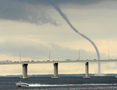 Waterspout above the St. Johns River in Jacksonville, Florida. {June 26, 2009 by Will Dickey} Looks like Orange Park-Mandrin just off the Rudder Club of Jax and NAS. (Sailed there many times)