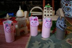 Pink and Green Mama: Homemade Three Little Pigs Finger Puppet Set