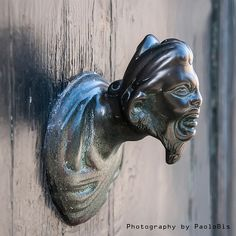 """Il Moro alla porta, Venice, Italy. (""""Il Moro"""" is the Italian name for the Moors - the Muslims of Berber and Arab descent - who invaded and occupied parts of the Iberian Peninsula, Italy and Sicily during the Middle Ages. (Photo by Paolo Boselli 2013-12-01)."""