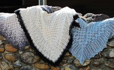 Free knit pattern for a fir cone lace shawl