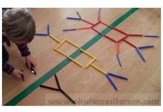 Symmetry game, # shape games # symmetry game Best Picture For Montessori Education ideas For Your Ta Montessori Education, Homeschool Math, Montessori Activities, Math Classroom, Kindergarten Math, Teaching Math, Symmetry Activities, Math For Kids, Kids Work