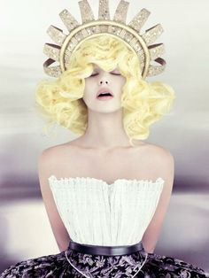 2014 Canadian Hairstylist / Coiffeur canadien Contessa Winner: Tony Ricci form Ricci Hair Co., Edmonton, AB