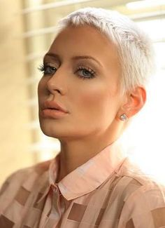 Short Hair Beauty — Opinions of her cut? http://ift.tt/1PslLjK