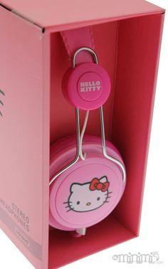 un casque audio.  de couleur (pas forcément h.kitty) et surtout confortable