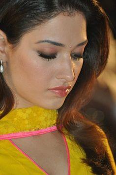 Indian Actress Hot Pics, Indian Bollywood Actress, Bollywood Girls, Beautiful Bollywood Actress, Most Beautiful Indian Actress, Indian Actresses, 10 Most Beautiful Women, Beautiful Lips, Beautiful Celebrities