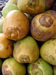 5 Health Benefits of Drinking Coconut Water.