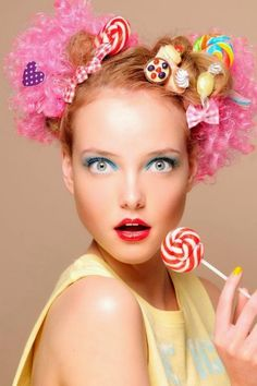 Hair sweet as candy! creative facepaint Best Picture For candy costumes women For Your Taste You are Candy Girls, Candy Theme, Candy Pop, Pelo Editorial, Beauty Editorial, Wacky Hair, Halloween Look, Candy Costumes, Crazy Hair Days