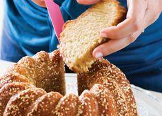 עוגת טחינה ושומשום - קרין גורן Vegan Recipes, Cooking Recipes, Coffee Cake, How To Make Cake, Bagel, Doughnut, Good Food, Bread, Baking