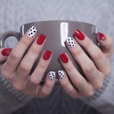 24 glitter gel nail designs for short nails for spring 2019 Dot Nail Art, Polka Dot Nails, Polka Dots, Red Dots, Glitter Gel Nails, Pink Nails, Pastel Nails, Acrylic Nails, Gel Nagel Design