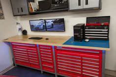 Every Man-Cave Garage should have a computer and internet access. Every Man-Cave Garage should have a computer and internet access. Man Cave Garage, Garage House, Garage Shop, Garage Man Cave Ideas On A Budget, Dream Garage, Car Garage, Garage Storage Solutions, Diy Garage Storage, Garage Organization