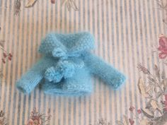 OOAK Blythe Puppe Aqua blau Angora Garn Hand stricken Pullover Cardigan Pom Poms…