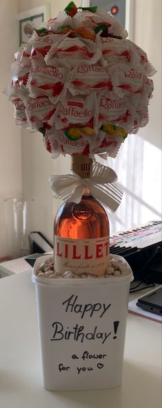 Creative Birthday Gifts, Bff Birthday Gift, Birthday Gifts For Best Friend, Birthday Presents, Creative Gifts, Creative Gift Baskets, Homemade Gift Baskets, Homemade Gifts, Diy Gifts