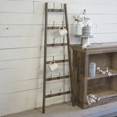 Interior Design Blogs, Love Wood Sign, Rustic Wood Signs, Wood Display, Display Shelves, Pottery Booth Display, Antique Booth Displays, Wood Ladder, Ladder Decor