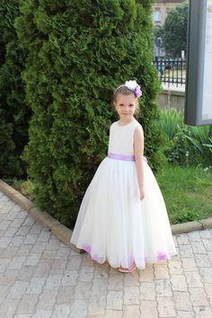 Girls Dresses, Flower Girl Dresses, Tulle, Wedding Dresses, Skirts, Fashion, Bridal Dresses, Moda, Skirt