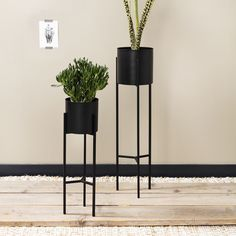 Room Accessories, Black Metal, Sweet Home, New Homes, Table, Furniture, Home Decor, Products, Accessories