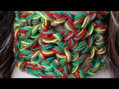chunky scarf tutorial. use several yarns together, that you don't use otherwise