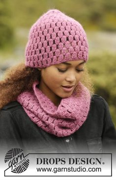 Rosaline set consisting of hat and cowl by DROPS Design Free crochet pattern