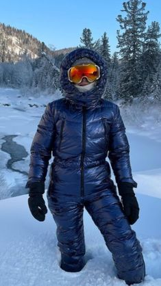 Down Suit, Winter Suit, Canada Goose Jackets, Nylons, Parka, Skiing, Overalls, Sexy Women, Winter Jackets