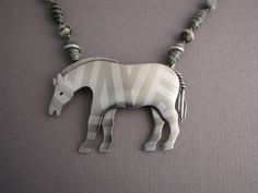 Ahlene Welsh - THIS IS A PIECE OF JEWELLERY WHICH I CAN IMAGINE BEING PERFECT, FOR A YOUNG GIRL!! - SO LOVELY, OUI !!