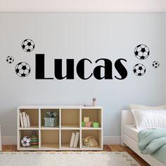 wallstickers med tekst eget navn med fodbolde