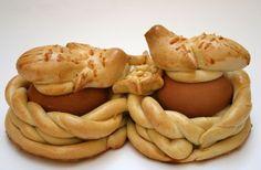 Ecco una carrellata di tipiche ricette dolci per il menu di Pasqua. Ogni regione propone infatti i propri dolci pasquali sulla base delle proprie tradizioni culinarie.