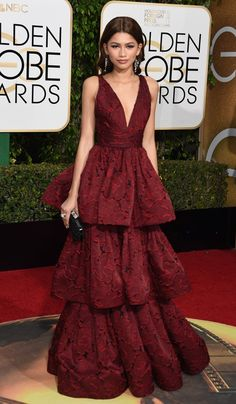Pin for Later: Who Won the Golden Globes Red Carpet? Zendaya The performer turned heads in a tiered Marchesa gown and topped it off with chandelier earrings.