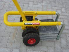 De TrompEasyLift is bedacht om het werk van de hovenier en stratenmaker aanzienlijk te verlichten zonder op de productiviteit in te leveren.                                     ...