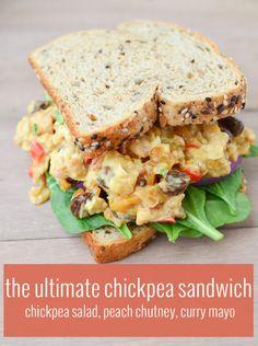 The Ultimate Kichererbsesalat Deli Sandwich!  Kichererbse Salat, hausgemachte…