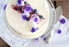 pikku murusia: Mustikka-kardemummajuustokakku Birthday Cake, Pudding, Desserts, Food, Tailgate Desserts, Birthday Cakes, Deserts, Eten, Puddings