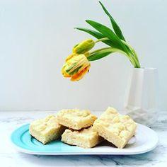 Ein klassischer Streuselkuchen. Yummi! #Streuselkuchen #Tulpen #baldistfrühling #tulips #spring