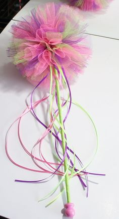 Shimmer tulle pom wand More wand, Tulle Projects, Tulle Crafts, Pom Pom Crafts, Craft Projects, Diy Crafts, Fairy Birthday, Birthday Party Favors, Birthday Parties, Party Unicorn