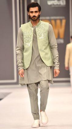 High Fashion Pakistan — Deepak and Fahad, Fashion Pakistan Week,. Wedding Kurta For Men, Wedding Dresses Men Indian, Wedding Dress Men, Wedding Suits, Indian Men Fashion, Mens Fashion, High Fashion, Gents Kurta Design, Mens Ethnic Wear