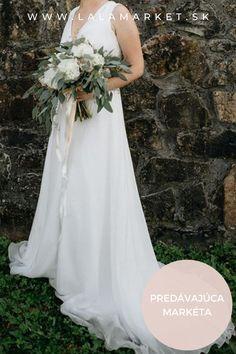 Cena: 390 € Silueta: A-Línia Veľkosť na štítku: 38 (EU) Značka/dizajnér: Petra Brzková Fashion designer Stav: Použité (oblečené na svadbe) Petra, Silhouettes, One Shoulder Wedding Dress, Wedding Dresses, Fashion Design, Bride Dresses, Bridal Gowns, Weeding Dresses, Silhouette