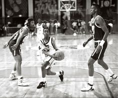 Urkel gliding past Will Smith and Reggie Miller during the 1991 Rock n' Jock basketball game...ahhh the 90's.