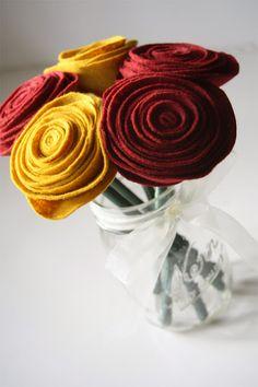 felt flowers (idea para lapices y boligrafos)